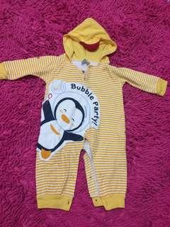 Puku pulu baby / sleep suit