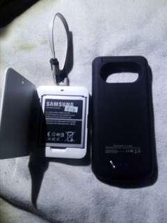 Samsung S4 充電器1個連線另外s4後殼外置充電寶