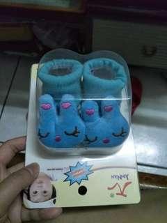 🚚 藍色兔子襪子