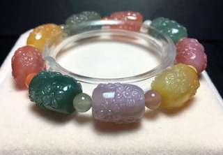 Salt candy color carving [plum flower] bracelet.