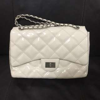 Chanel style creamy color chain bag