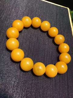 Natural old honey round bead string.