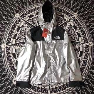 supreme x tnf 18ss衝鋒衣