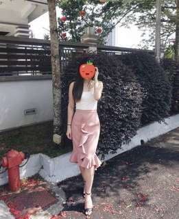 Love Bonito trumpet skirt (pink)