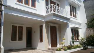 Jual Rumah modern di cipayung - Cilangkap jakarta timur
