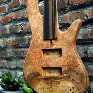 Preordered Custom Boutique 5string Bass