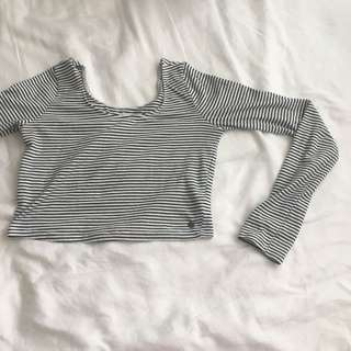 Black & white cropped long sleeve
