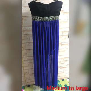 Gown super nice medium to large (excellent condition)