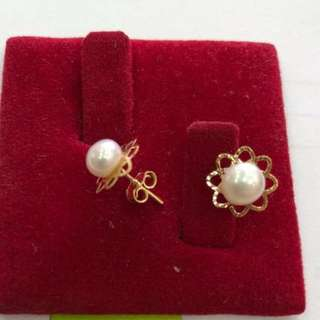 18K Saudi Gold earring with SEA pearl