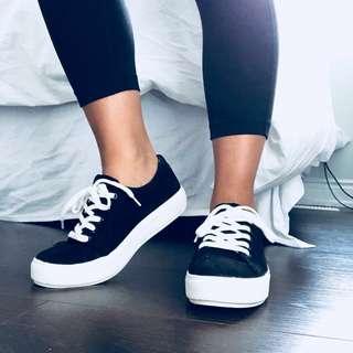 Harlow black sneaker
