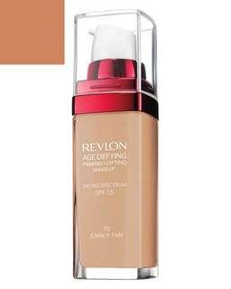 REVLON FOUNDATION: Early Tan