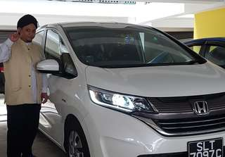 Hari Raya 10 days Special from 22/6/2018 (Fri) to 01/07/2018 (Sun) at only $1500/- for my 7 seater Honda Freed Hybrid 2018 laters model.. Who ever keen pls can call me @98859272 OR Watsapp me @92301229 Bohhari...