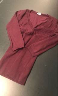 Fitted maroon shirt