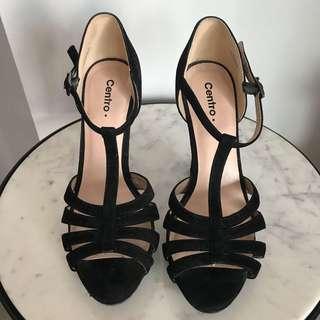 Velvet Heels, 7