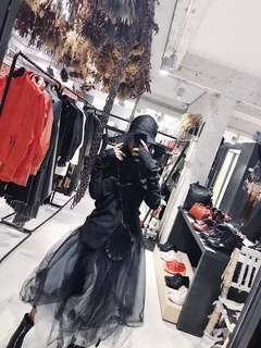 🚚 【黑店】訂製款 黑白多層次不規則裙擺長紗裙 厚實紗裙 暗黑系 個性穿搭 公主風網紗蓬蓬裙 飄逸長裙紗裙
