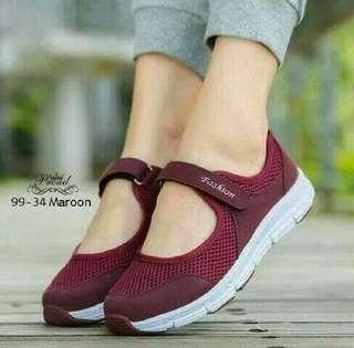 Sepatu prepet kecil maroon