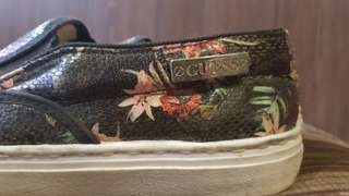 Preloved Authentic Guess Floral Slip ons