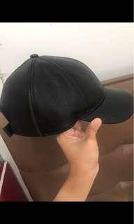 Topi kulit