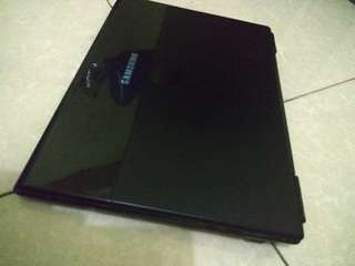 Samsung notebook slimtype for lady ang student