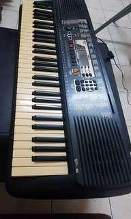 Yahama piano PSR-195 keyboard