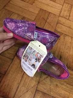 Authentic toms kids shoes T7