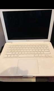 Dijual Cepat Apple Macbook White Unibody 13Inch Laptop 2009