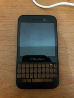 LCD Touchscreen dan Frame BB Q5 New Original