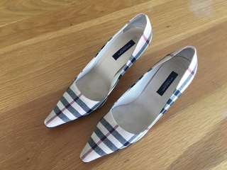 Authentic Burberry lady's shoes