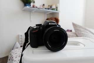 Nikon D3200 plus lensa youngnou 35MM f1,2 dan tamron 70-300mm f3,5 )