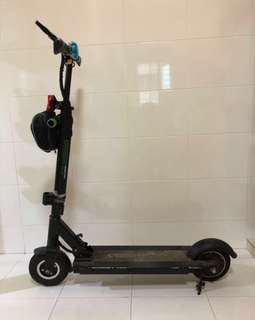 Clearance: LTA friendly scooter