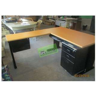 L-TYPE EXECUTIVE TABLE W MOBILE PED CABINET HANGING DRAWER