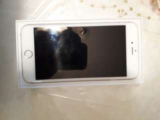 silver iphone  6 plus 128GB unlocked•comes with box and charger