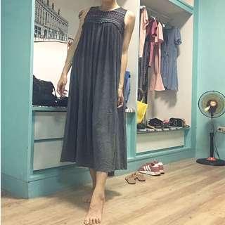 二手近新❤️日本標深灰色棉麻精緻刺繡寬鬆長洋S號(孕婦裝)