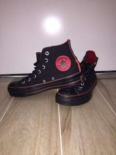 Converse High Tops Red & Black