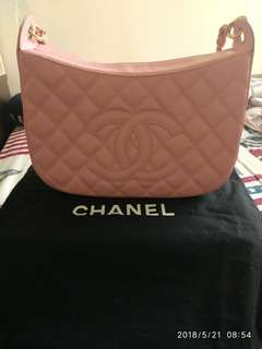 Chanel Handbag Vintage 超級靚粉紅魚子牛皮24k包金,保全多年都不會甩色,市面已經好難揾到,日本中古市場已經再難找到咁新淨99%新