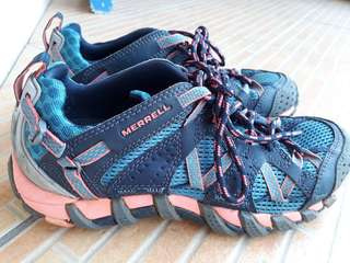 Merrell women hiking shoes - Size 6