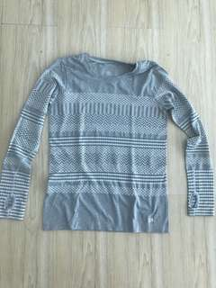 GAP Fit dry fit long sleeved shirt