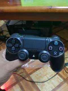 Dualshock 4 - PS4 Baru dalam kotak