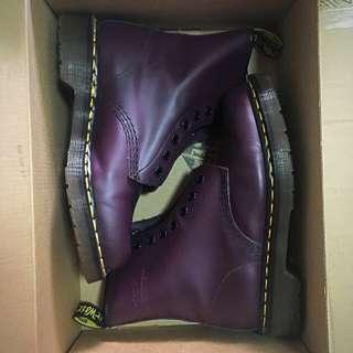 Dr. Martens Core Originals 8-eye Boots