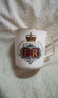 Vintage H.R.H. Queen Elizabeth II Silver Jubilee Mug