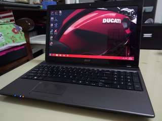 Acer i5/4gb/750Gb hdd/15.6inch/win7/Gaming