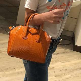 Givenchy Mini Antigona bag (Rust 橙色, python 蛇皮)