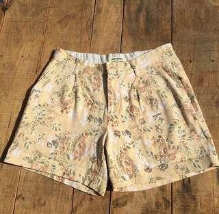 Vintage Floral Mum Shorts 🌻