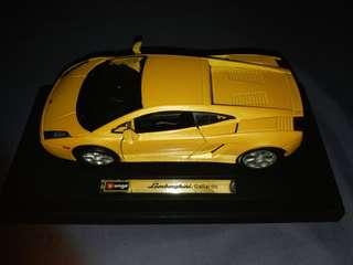 🚚 Bburago 1/18 Lamborghini Aventador LP700-4黃