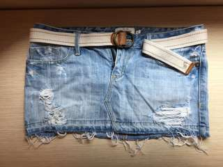 Abercrombie & Fitch 淺色牛仔短裙 迷你裙 牛仔裙 破洞 鬚鬚 A&F AF