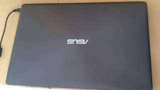 Asus i7 windows 8,8Gb ram 750Gb hdd memory internal. 15 inch screen LCD, online game can play, English All