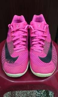 🚚 Nike hyperlive 2016 乳癌配色 us8 26cm