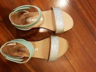 Sandal bayi anak old navy cantik sekali