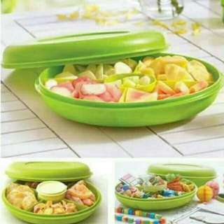 Small seving center tupperware