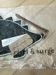 日本rivet & surge pouch